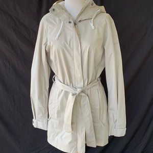 Columbia Omni Shield Tan Belted Rain Jacket. M